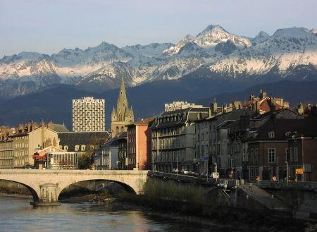 Intalnirea cu femeia musulmana pe Grenoble