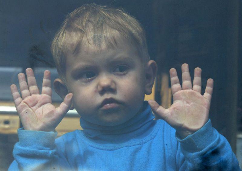 Copilăria, furată de obezitate și autism. Generația de azi, distrusă de fast-food, tablete și telefoane