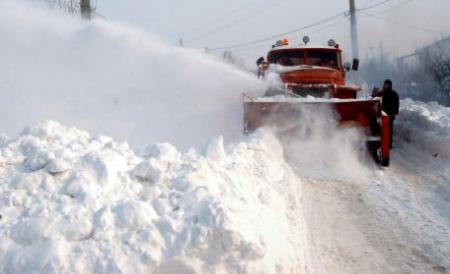Blocați în zăpadă. 16 turiști au cerut ajutorul salvamontiștilor în Munții Sebeșului