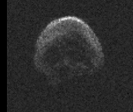 Un imens CRANIU cosmic a trecut, cu viteză uluitoare, pe lângă PĂMÂNT. Tragediile s-au ţinut lanţ în perioada în care uriaşul CAP de MORT s-a aflat prin preajmă