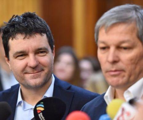 Robert Turcescu zice că Cioloș și-a luat-o-n freză cu Nicușor Dan