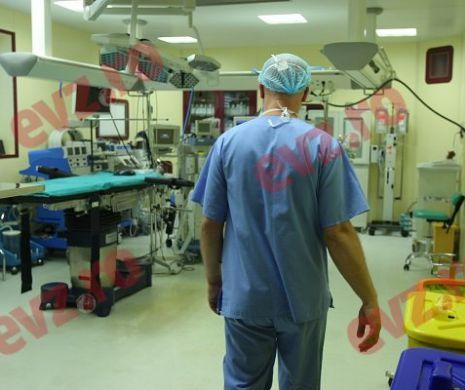 Medicii de la Spitalul din Deva au ignorat carantina și au plecat acasă. Exclusiv