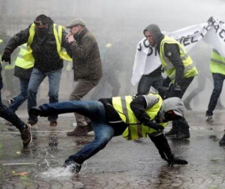 """""""Nu vrem al IV-lea Reich"""": 18.000 de manifestanți anti-naziști în Germania"""