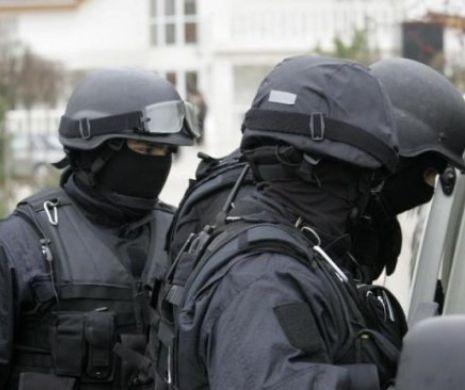 Colet suspect în centrul Capitalei. Poliția și SRI sunt în alertă