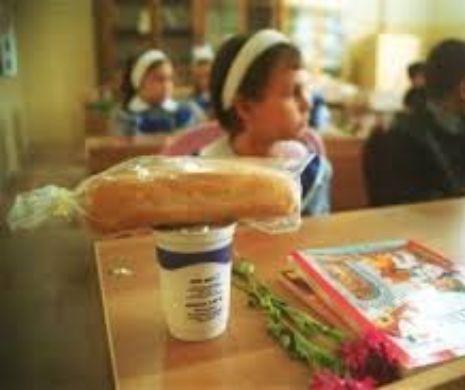 Revoltător! Unde s-a ajuns în școala românească... Profesorii fură mâncarea copiiilor