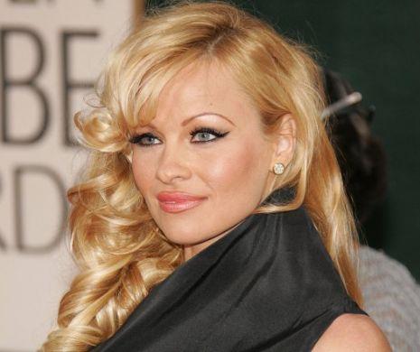 Pamela Anderson revine în forță. Fotografia a încins internetul. Ce frumoasă poate fi…
