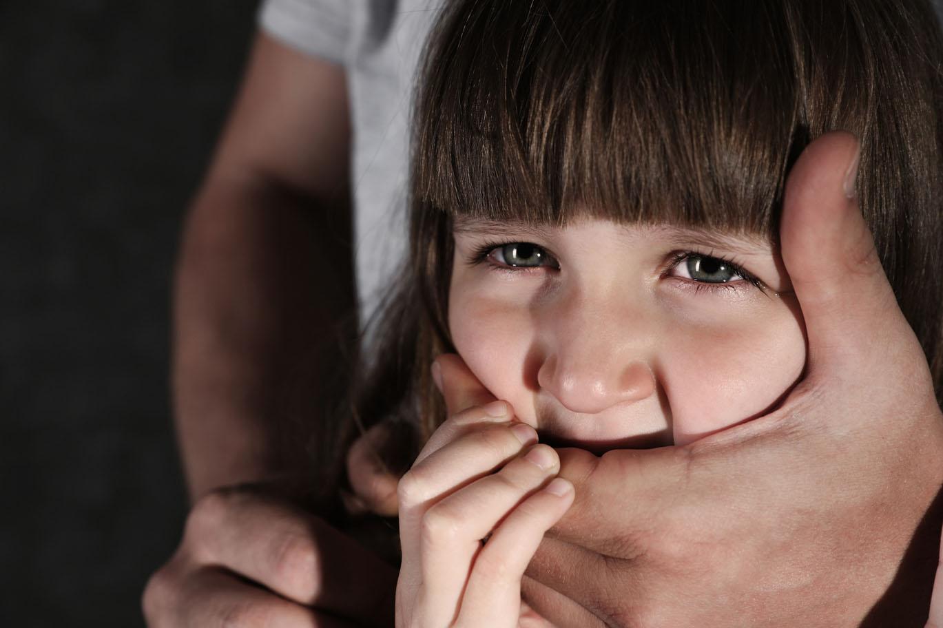 Război împotriva Pedofililor. Eroismul unui tată în fața progresismului european
