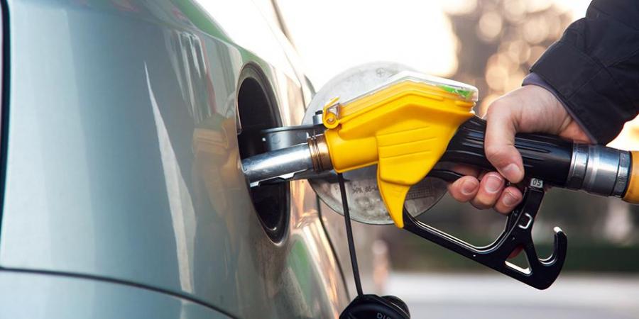 A scăzut prețul benzinei și al motorinei! Vezi cât te costă un plin astăzi