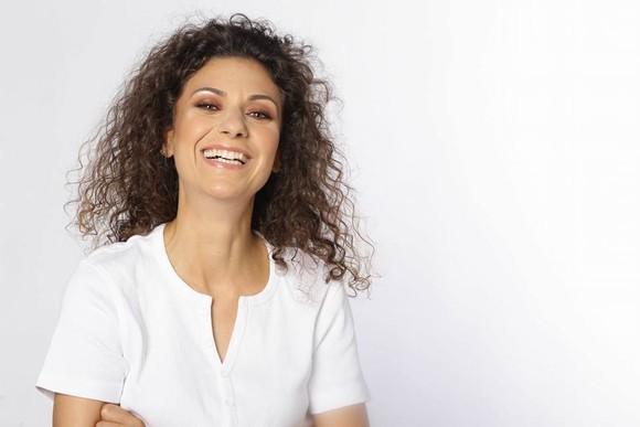 Sora lui Mircea Badea lucrează la Antena 3 şi are anumite avantaje. Informaţii în premieră
