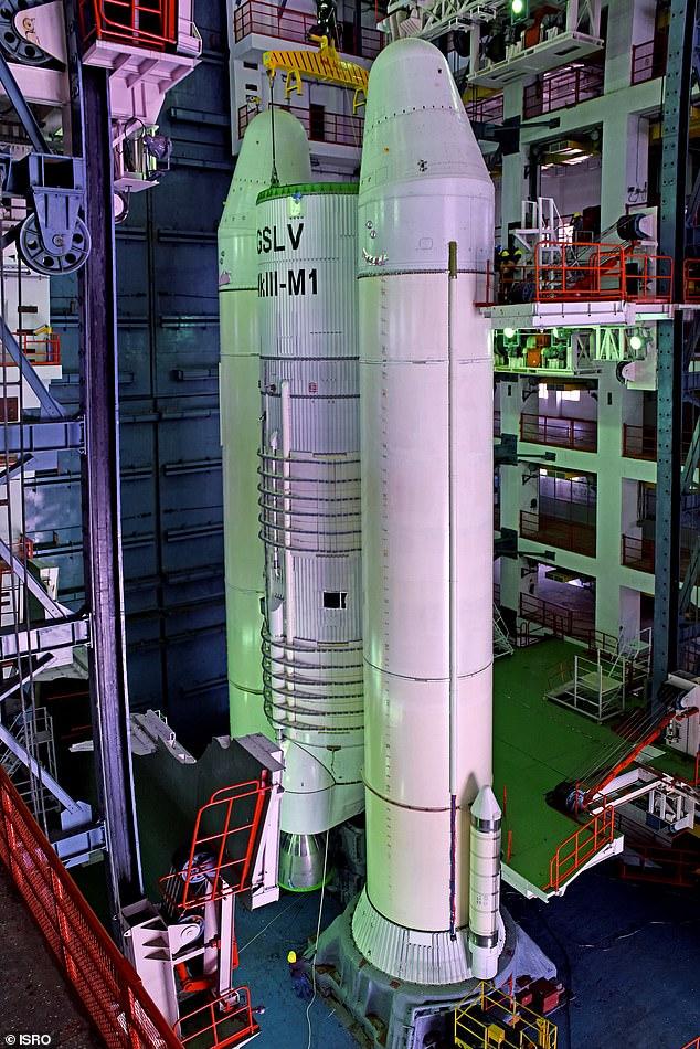 Divanul Persan. Povestea indianului. India devine a patra putere spațială. HOROSCOPUL LUI DOM' PROFESOR