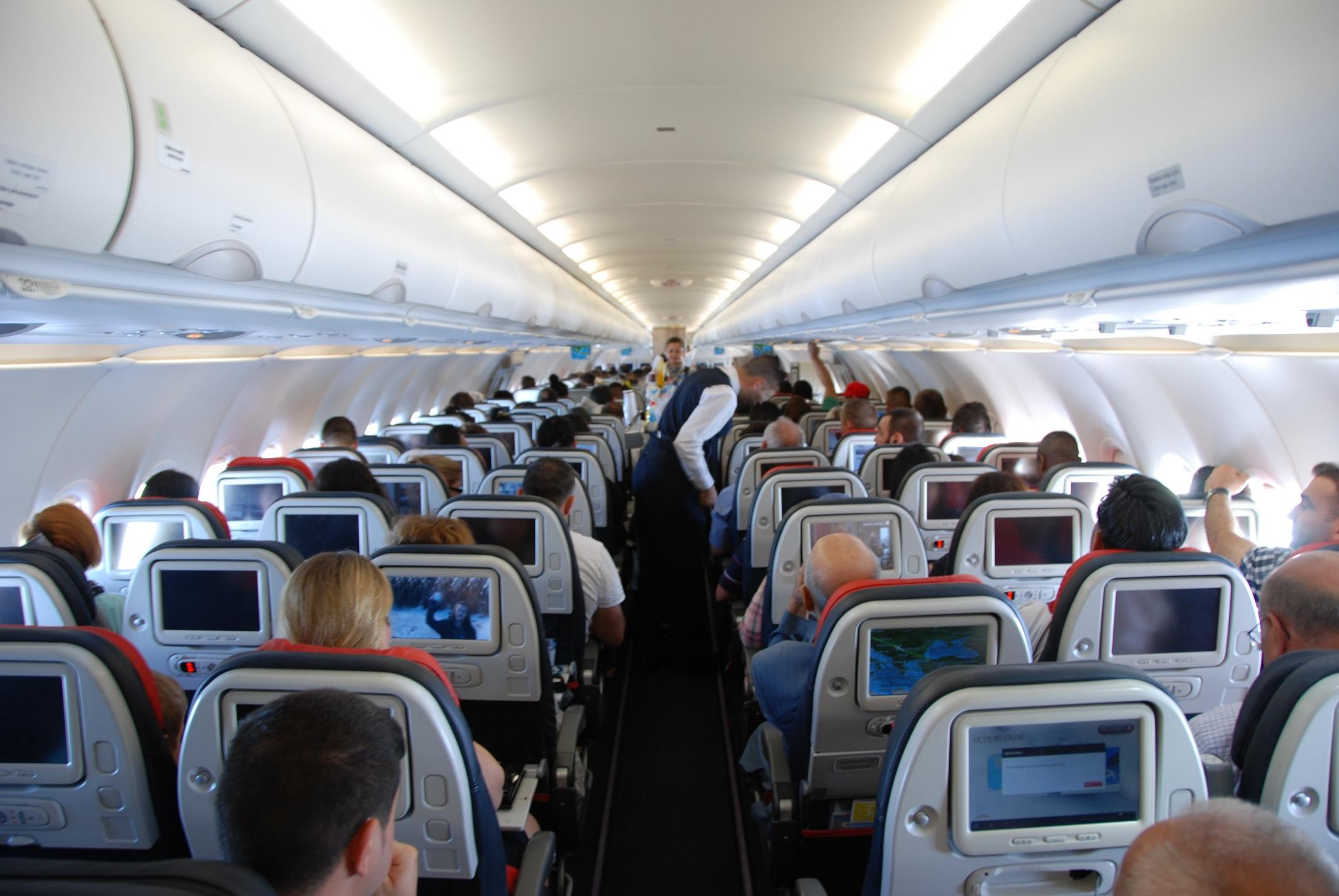 Aterizare de urgență. Pericol mare pentru 160 de pasageri. Au fost la un pas de…