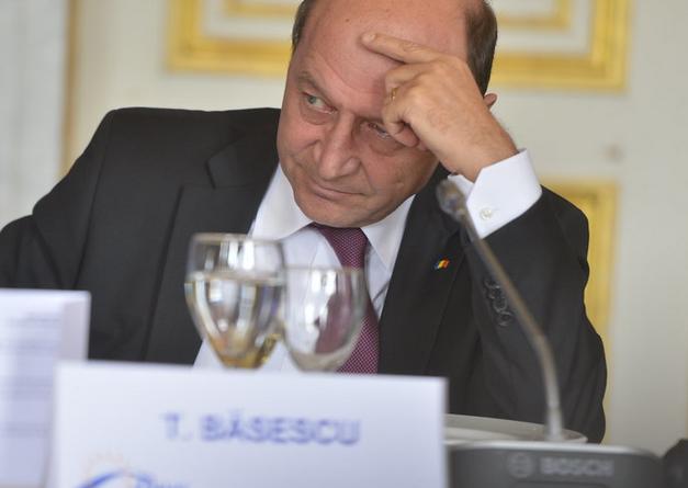 Traian Băsescu se implică în cazul Caracal. Dă de pământ cu Alexandru Cumpănașu