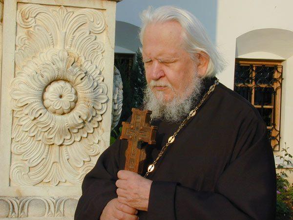 """Pr. Teofil Părăian: """"Raiul de Taină al ortodoxiei este Maica Domnului. Fără Ea, nu există ortodoxie!"""""""