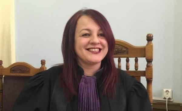 Judecătoarea Adina Daria Lupea îl face praf pe Cristi Dănileț