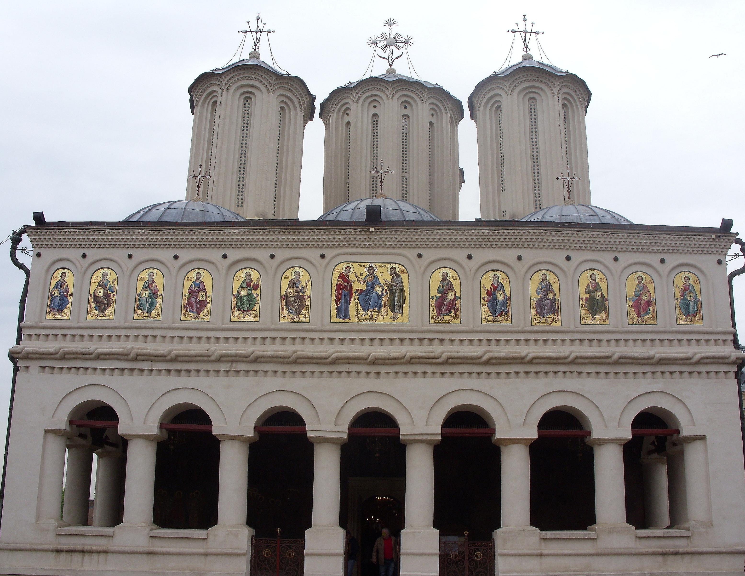 Bisericile din România ar putea scăpa de declararea anuală a impozitului pe profit