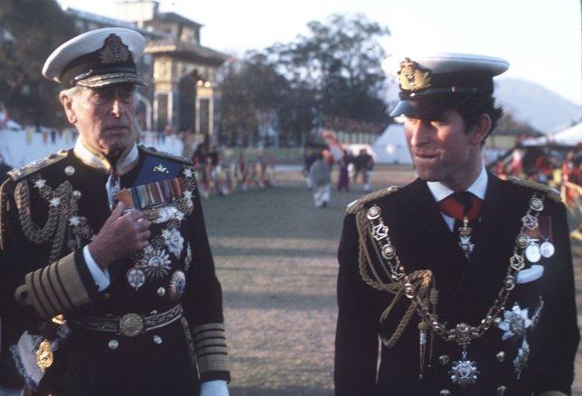Bombă la Casa Regală. Conexiunile tulburătoare ale Prințului Charles cu un homosexual