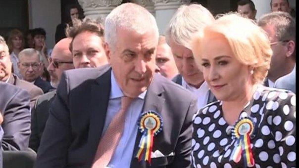 """Tăriceanu atac dur la Dăncilă. """"Încearcă să mituiască politicienii și electoratul"""""""