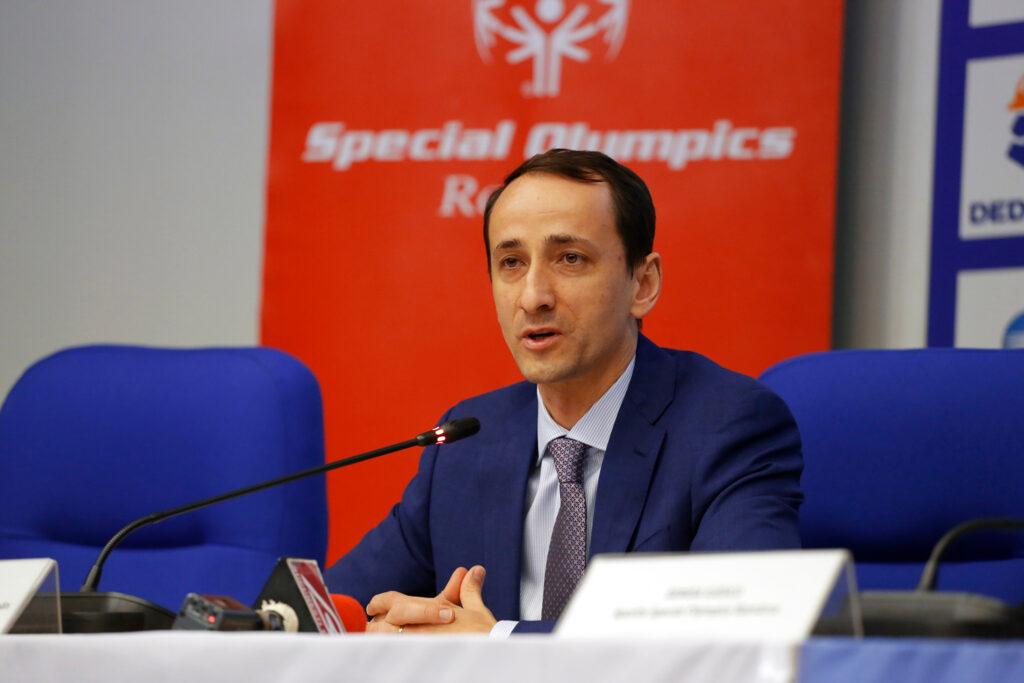 """""""Să nu ne mai văităm toată ziua. Toți copiii să facă sport!"""" Mihai Covaliu, președintele Comitetului Olimpic și Sportiv Român:"""