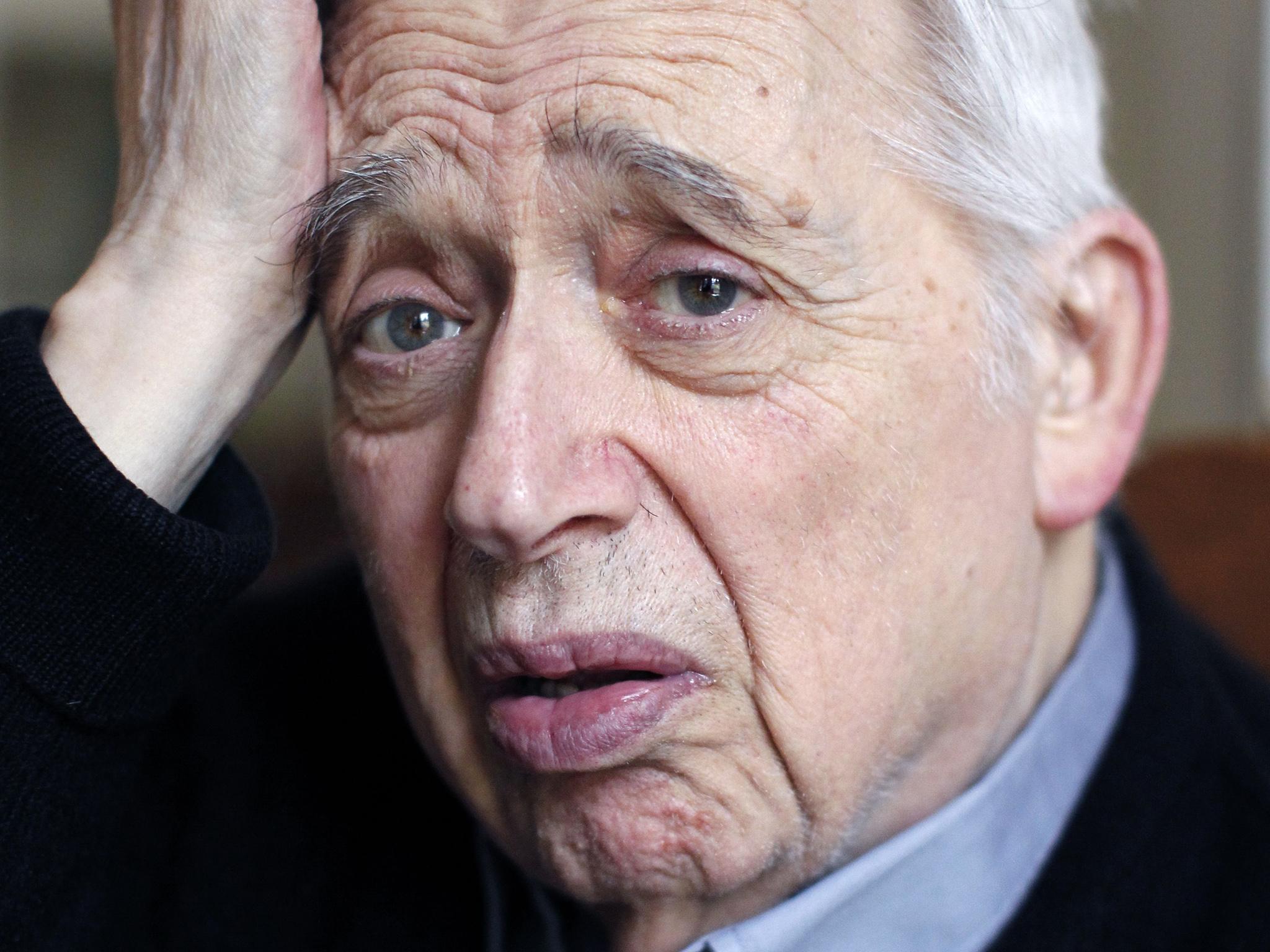 """Harold Bloom """"Nostradamus"""". De la seducătorul propriilor studente, la părintele canonului occidental"""