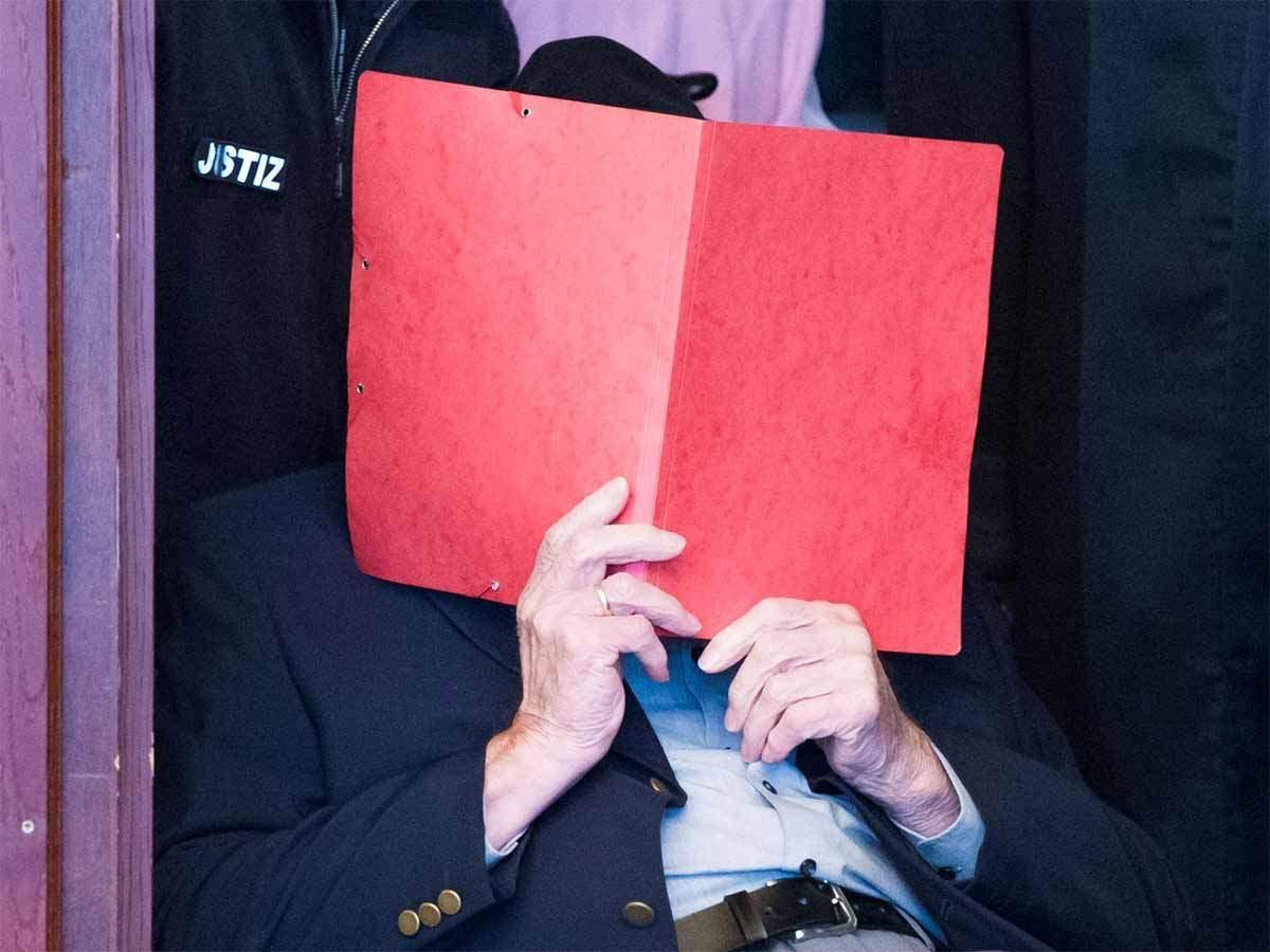 La 93 de ani, pus sub acuzare pentru complicitate la uciderea a 5.230 de evrei