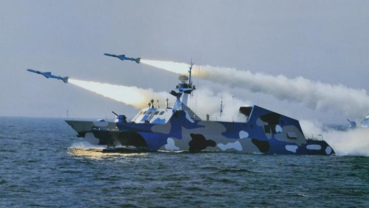 Panică la Marea Neagră. Trupe masive ale armatei ruse sunt comasate lângă România
