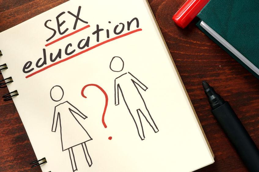 Bombă! Cine promovează educația sexuală pentru tineri e pasibil de închisoare