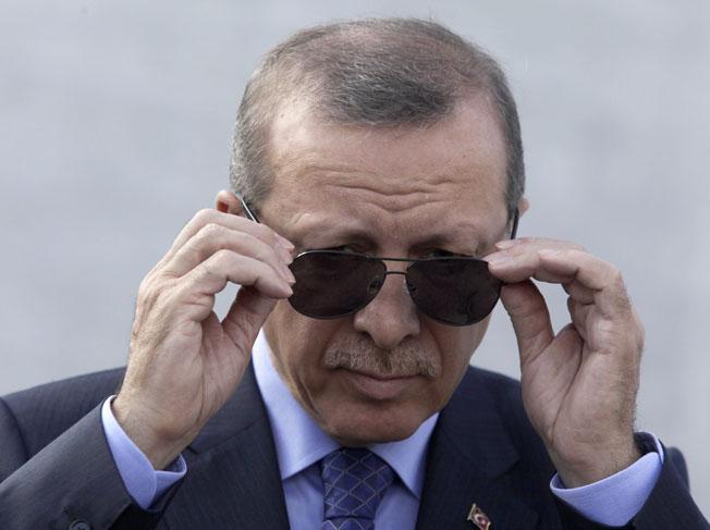 """UE, paralizată în fața lui Erdogan: """"Voi îneca Europa cu imigranți"""""""
