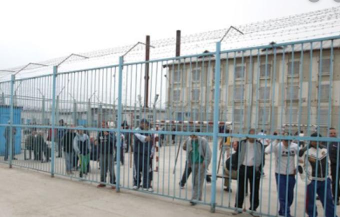 Polițist de la Penitenciarul Arad, găsit mort în timpul serviciului. Cine l-a împușcat?