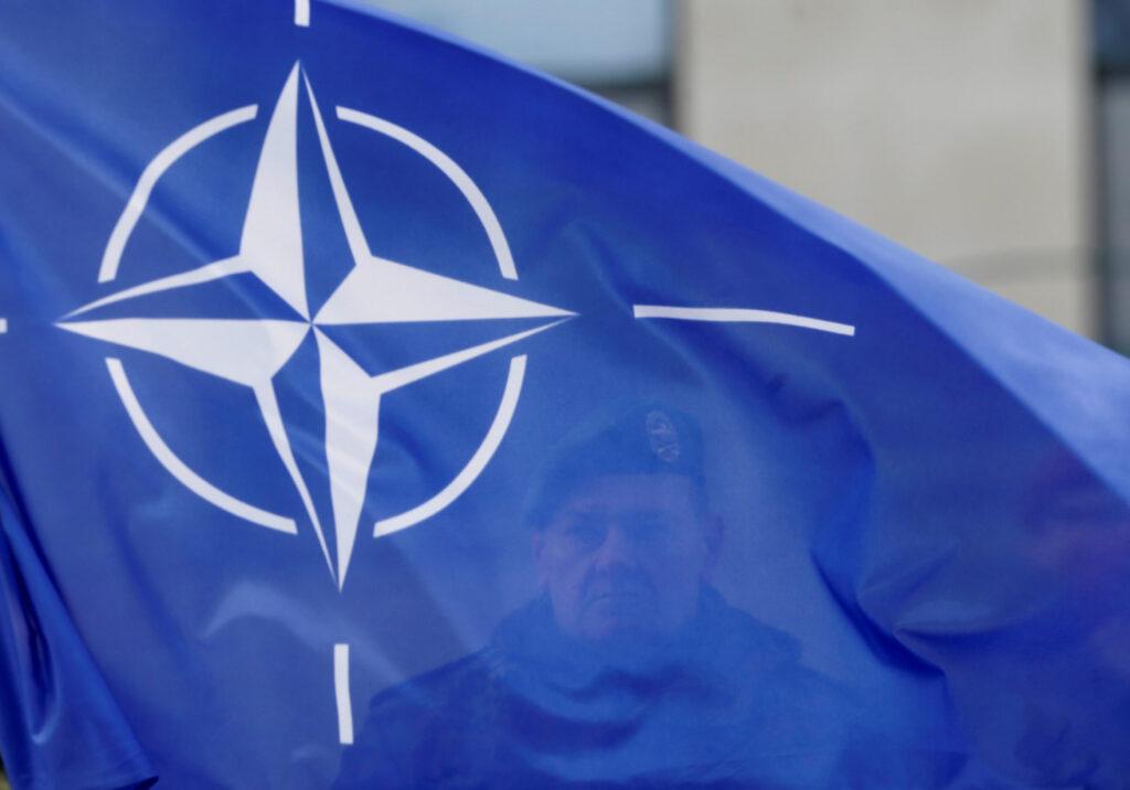 Care e motivul real pentru care s-a supărat Macron pe NATO? De ce nu-l susține Merkel?