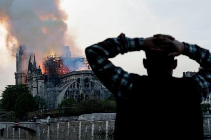 Notre Dame este noul Cernobîl. Scenariu exploziv despre tragedia din Paris