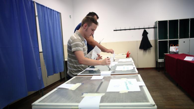 Alegeri prezidențiale 2019. Primul incident transmis ministrului de Interne. Vot suspendat | UPDATE