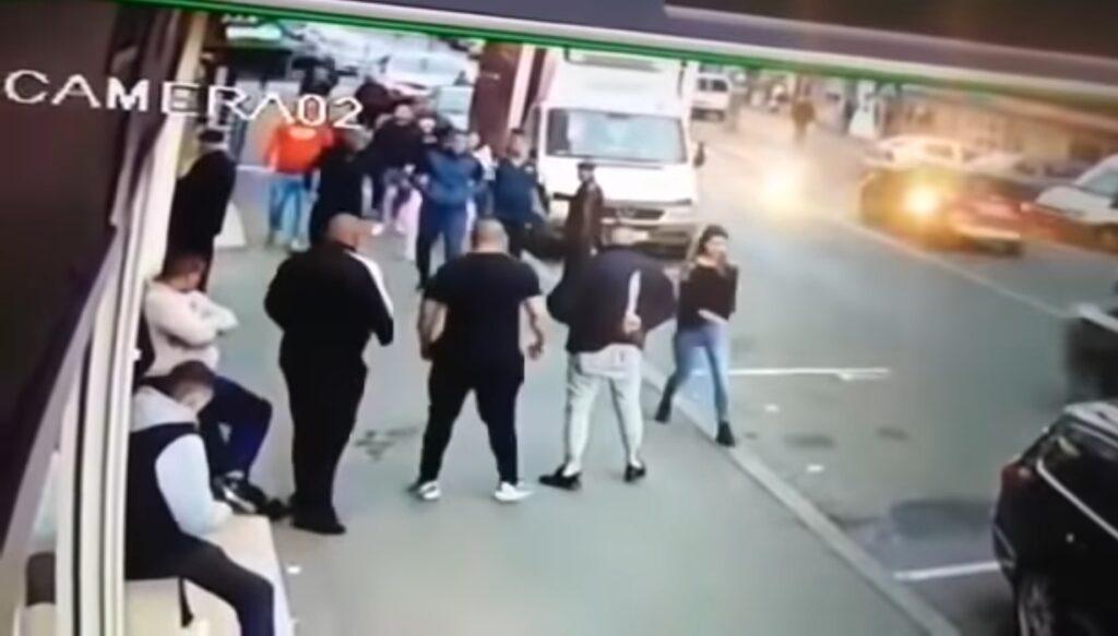 Violență extremă la Cluj. Putea fi baie de sânge în centrul orașului. VIDEO