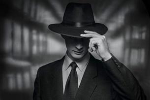 Scandal exploziv de spionaj! I-au recrutat angajații ca să-i facă informatori
