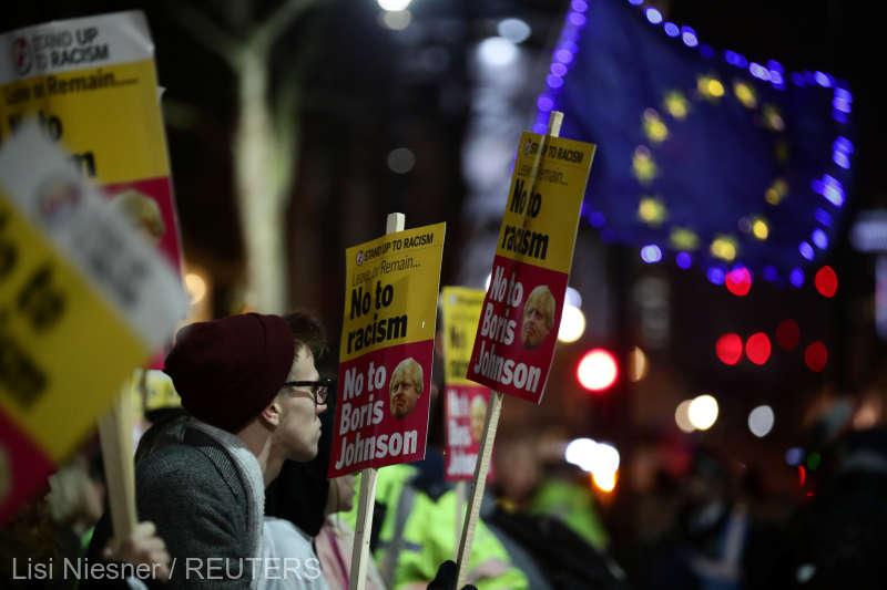 """Revoltă în Regat. La Londra se strigă """"Boris Johnson nu e premierul meu"""""""