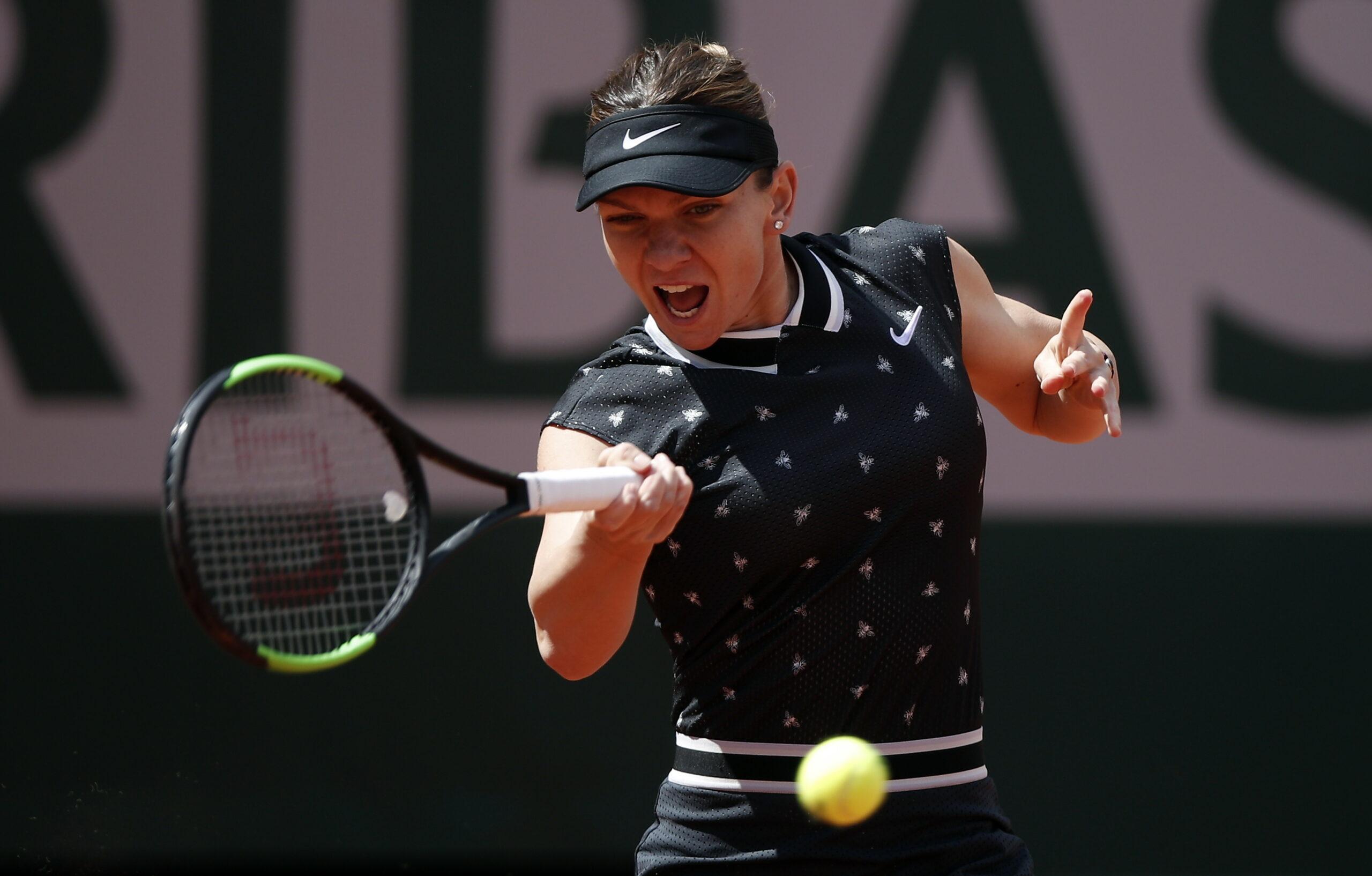 """Cât o mai desparte pe Halep de locul 1 WTA? Legenda tenisului, la un pas de """"podium"""""""
