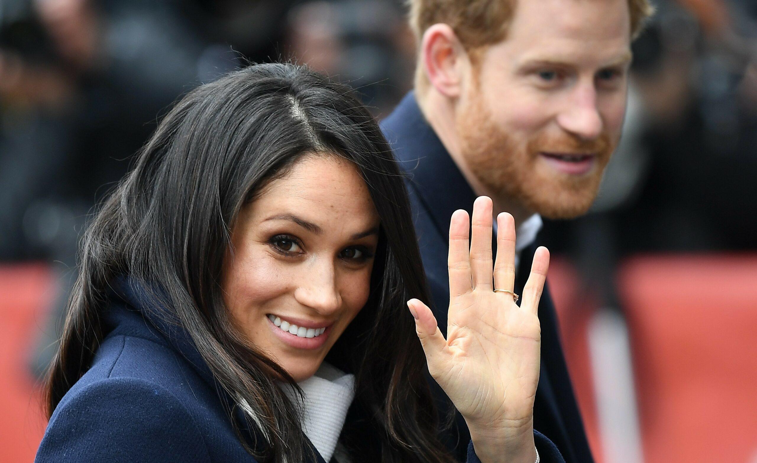 Meghan și Harry îi dau șah-mat reginei. Asul din mânecă le va aduce milioane de euro