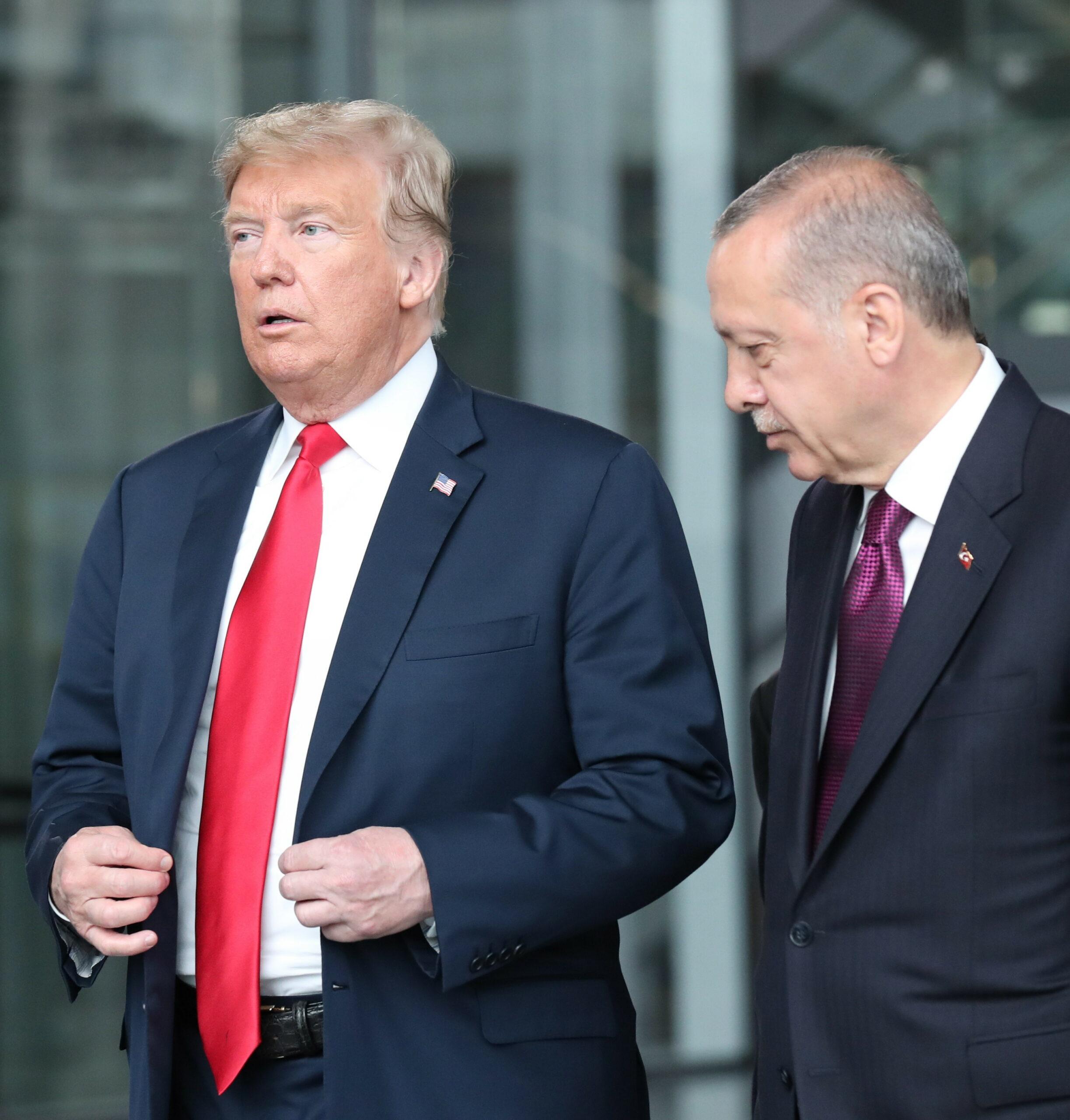 Erdogan se întoarce la Trump cu fesul în mână! Vrea ajutor împotriva rușilor!