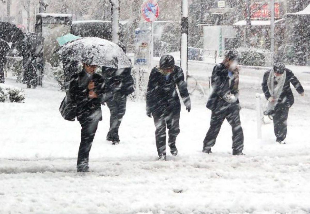 Vom avea zăpadă de Sărbători? Meteorologii actualizează prognoza. Cât de mari sunt șansele
