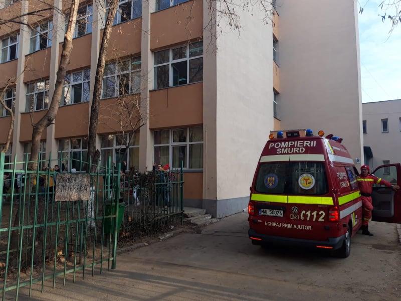 Otravă la școală! Panică în Capitală: 18 copii la spital. Reacția primăriei