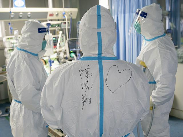 """Coronavirus. """"Tratamentul"""" doctorilor pentru bolnavii din spital. """"Le simțim durerea"""""""