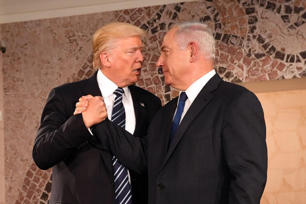 """Trump îl primeşte pe Netanyahu cu un plan de pace considerat """"istoric"""""""