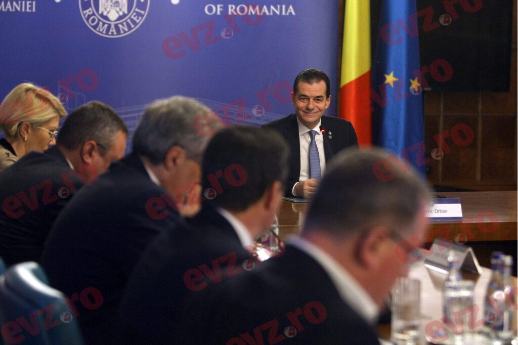 """Guvernul taie în carne vie. Pe cine a """"decapitat"""" Orban"""