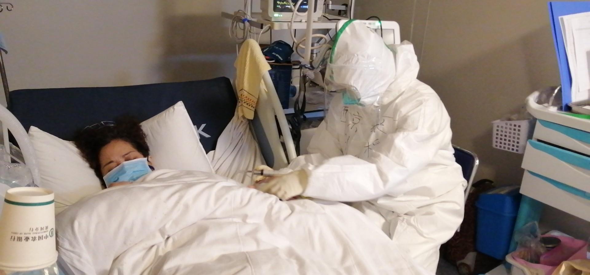 USA TODAY: Renunţaţi la mască şi spălaţi-vă pe mâini – sfatul unui oficial din sectorul epidemiologic