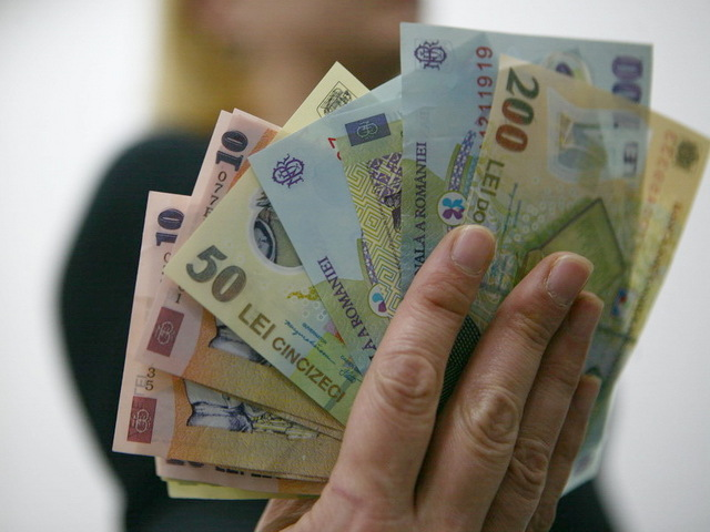 PSD zguduie finanțele României: Vrea să crească salariul minim cu aproape 50%