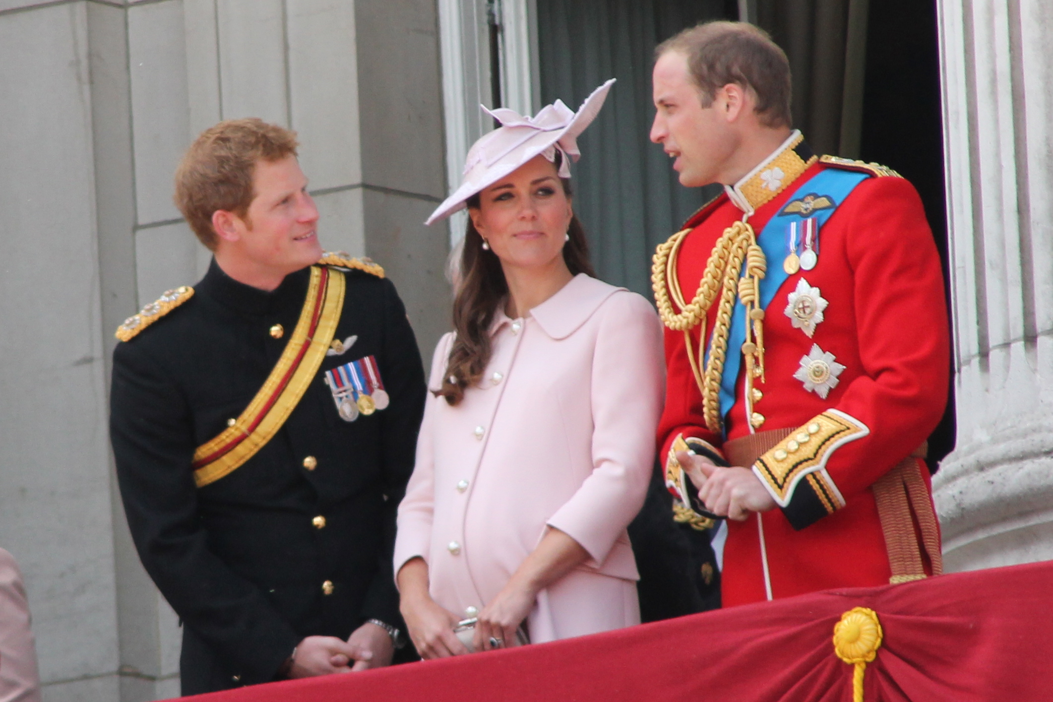 Prinţul Harry va înnebuni! Meghan Markle s-a infiltrat în Familia Regală! S-a aflat tot