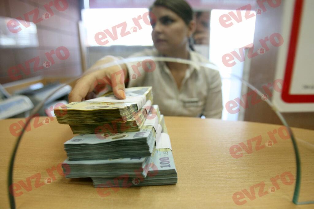 Accesul în bancă, doar pe bază de programare telefonică prealabilă, la BCR
