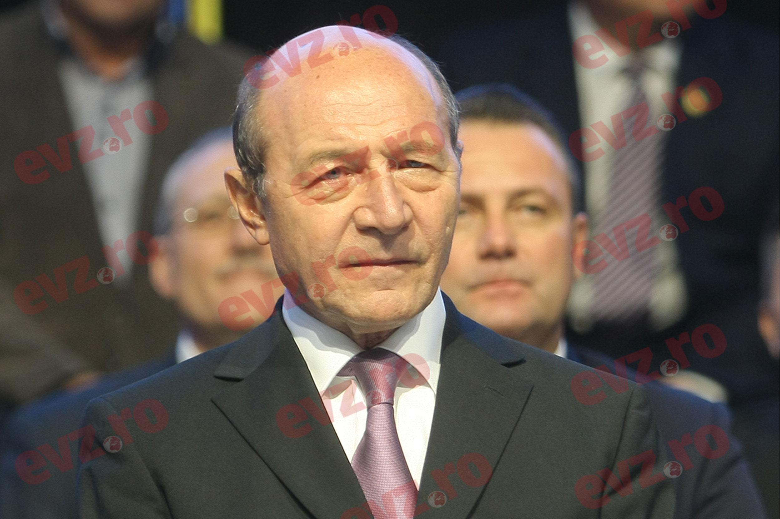 Băsescu, propus ca premier. Ce avantaje are fostul președinte