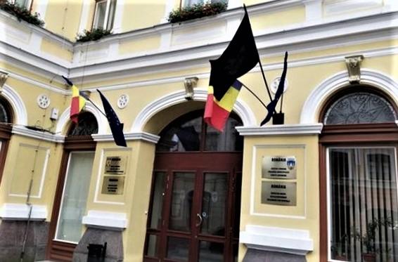 Va fi scandal la Sfântu Gheorghe: Fără tricolor! E decizie a instanței…