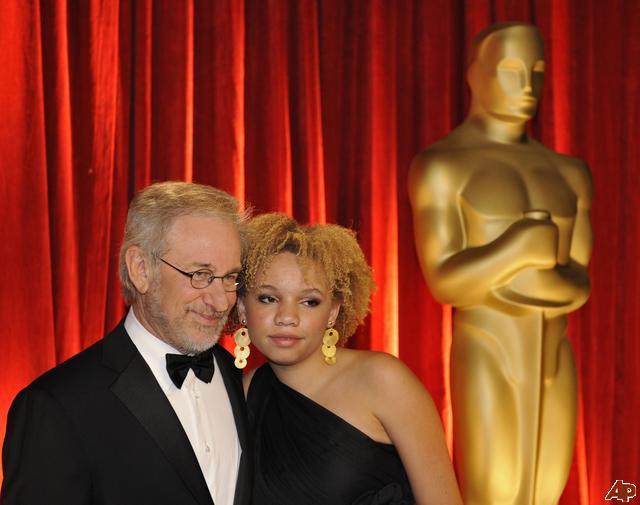 Incredibil ce filme face fiica lui Steven Spielberg! Mulți părinți ar muri de rușine…