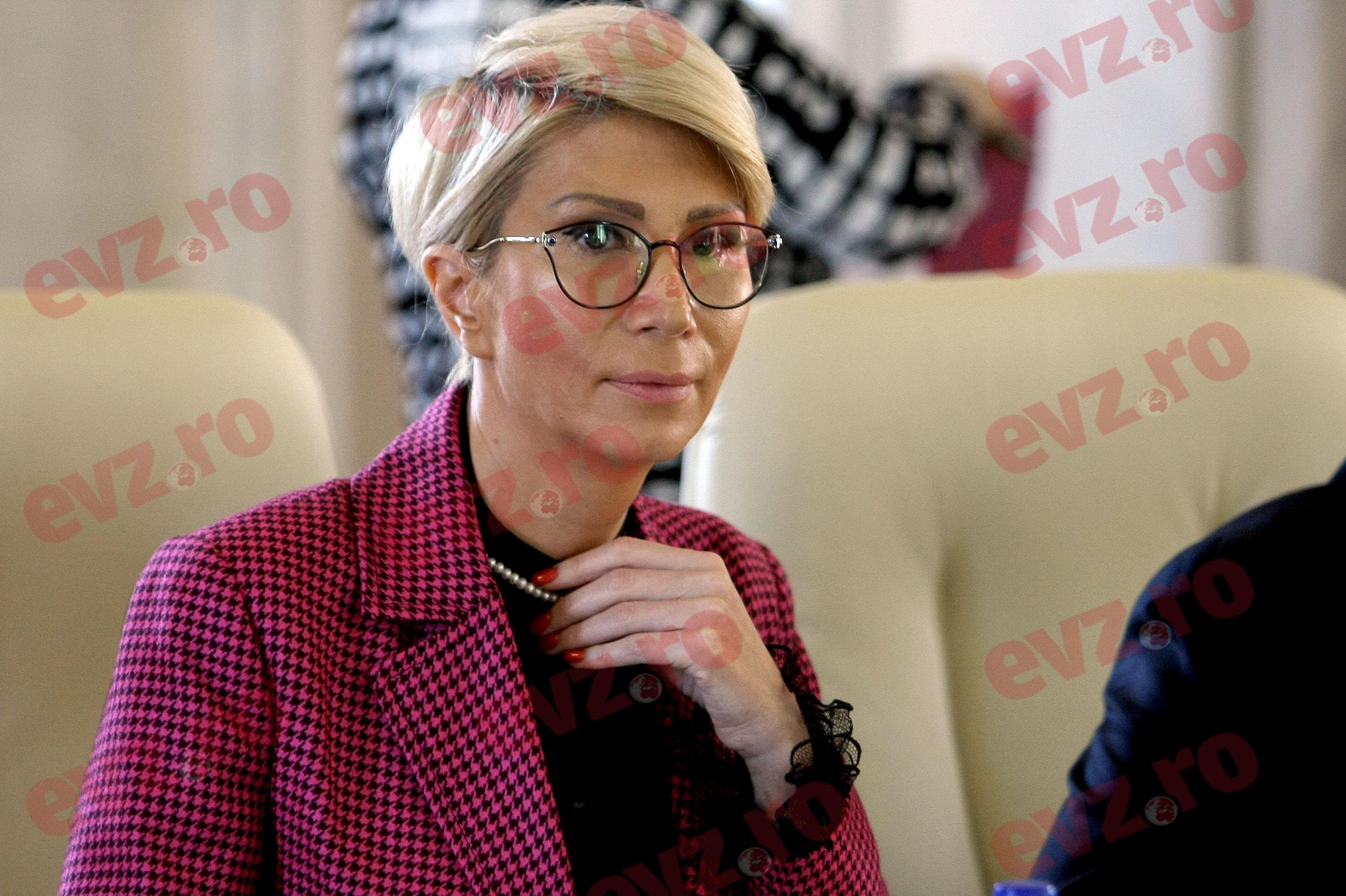 """Raluca Turcan a intuit planul PSD: """"Este foarte posibil ca luni să nu…"""""""